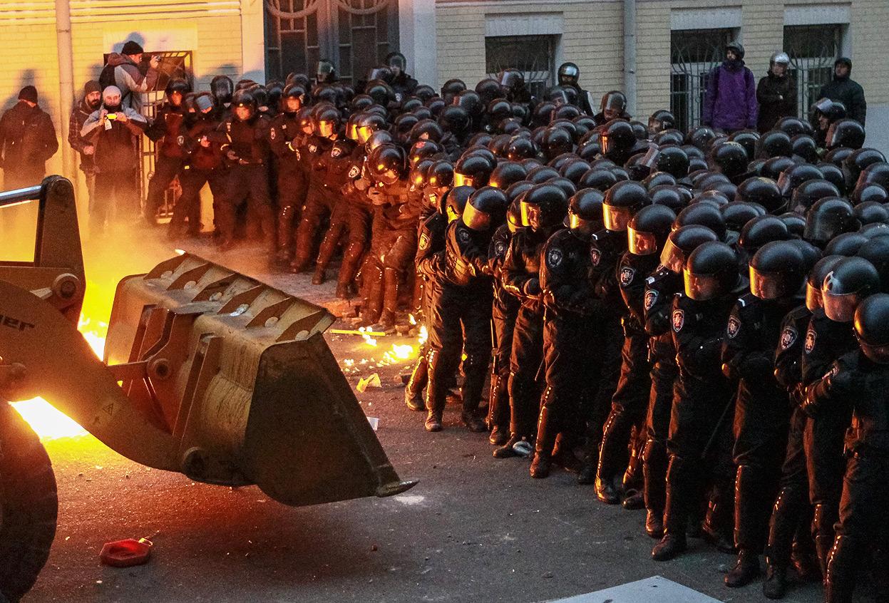 Щоб завжди пам'ятати: 60 вражаючих фото з Майдану