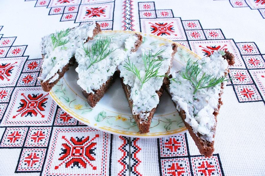 сало бутербродне з часником