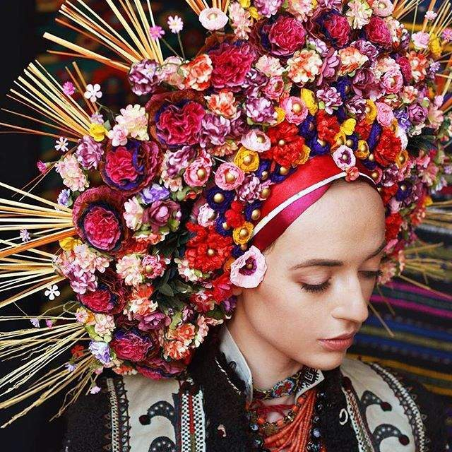 Красу українок показали у незвичайному фотопроекті - фото 240079