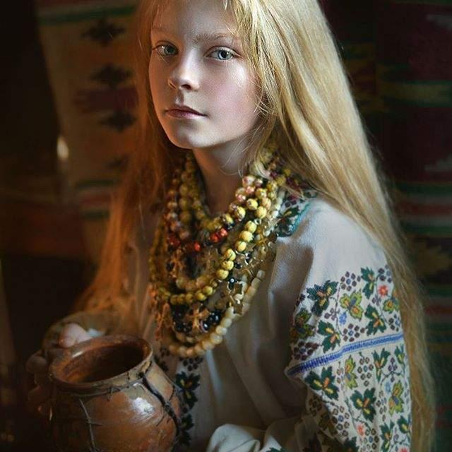 Красу українок показали у незвичайному фотопроекті - фото 240070