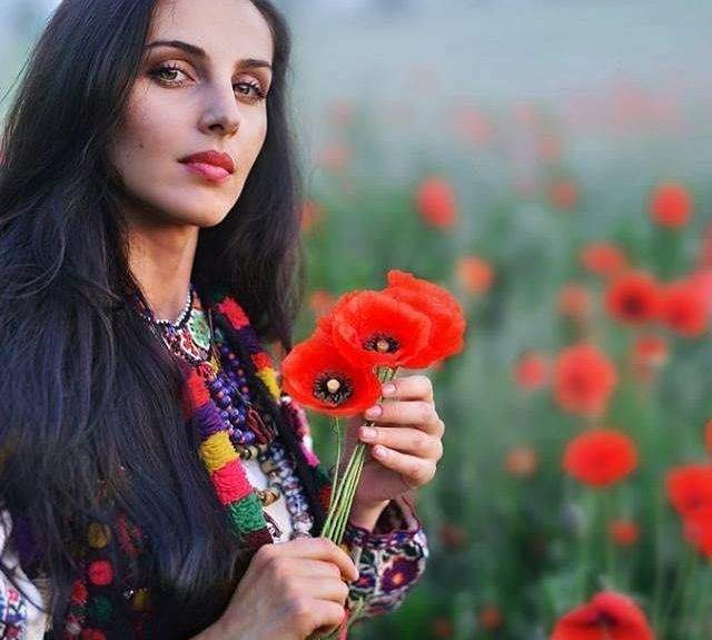Красу українок показали у незвичайному фотопроекті - фото 240067