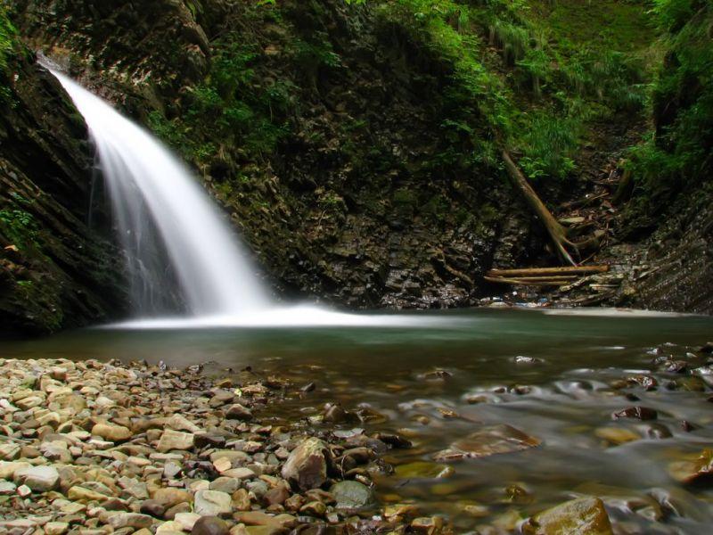 Черницький водоспад, Зелена