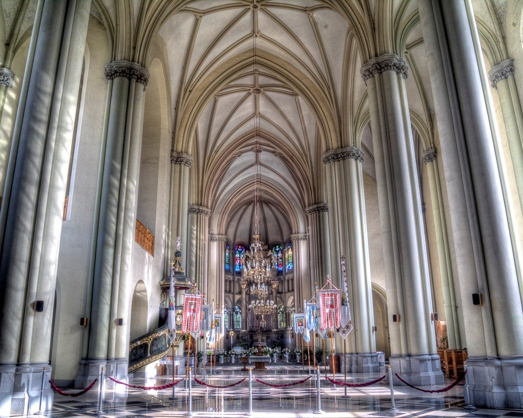 Інтер'єр Церкви святих Ольги і Єлизавети © skyscrapercity.com