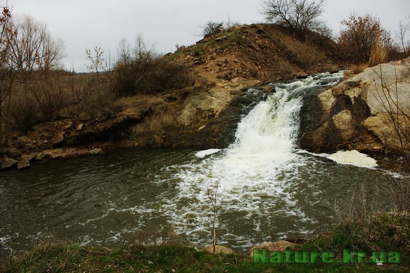 Водоспад біля Новопавлівки