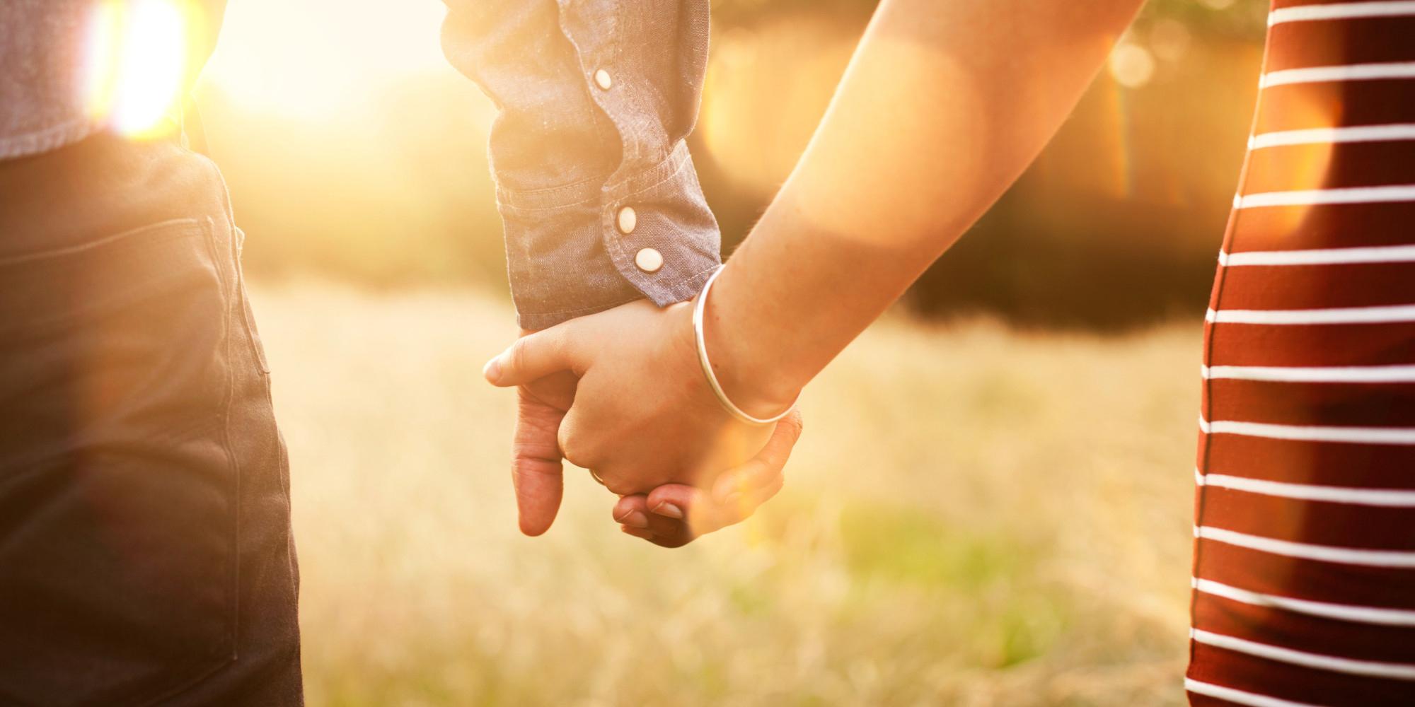 Картинки с надписями парень с девушкой держатся за руки, соня
