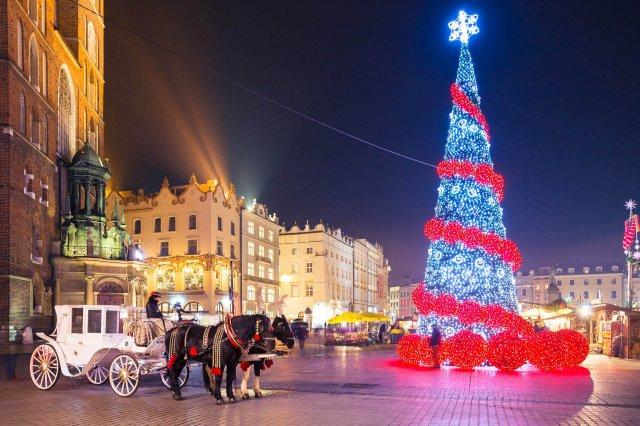 Найкращі новорічні тури на кілька днів: Новий рік 2019 в Європі  - фото 297422
