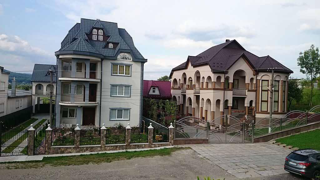 село Нижня Апша в Закарпатській області