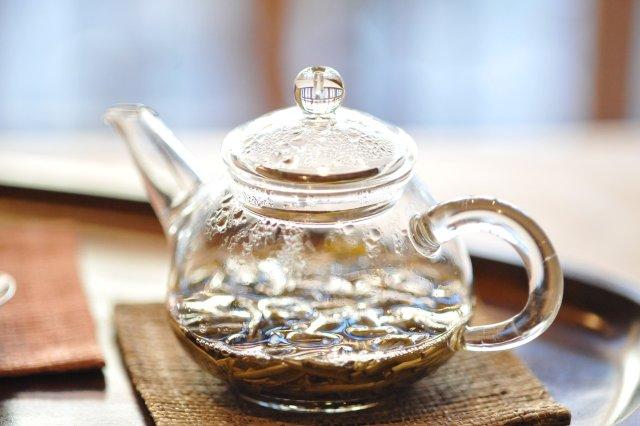 Чай з жасмином можна пити замість кави - фото 306020