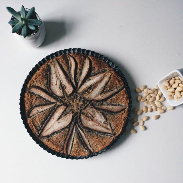 Пиріг з персиками: швидкий рецепт - фото 316132
