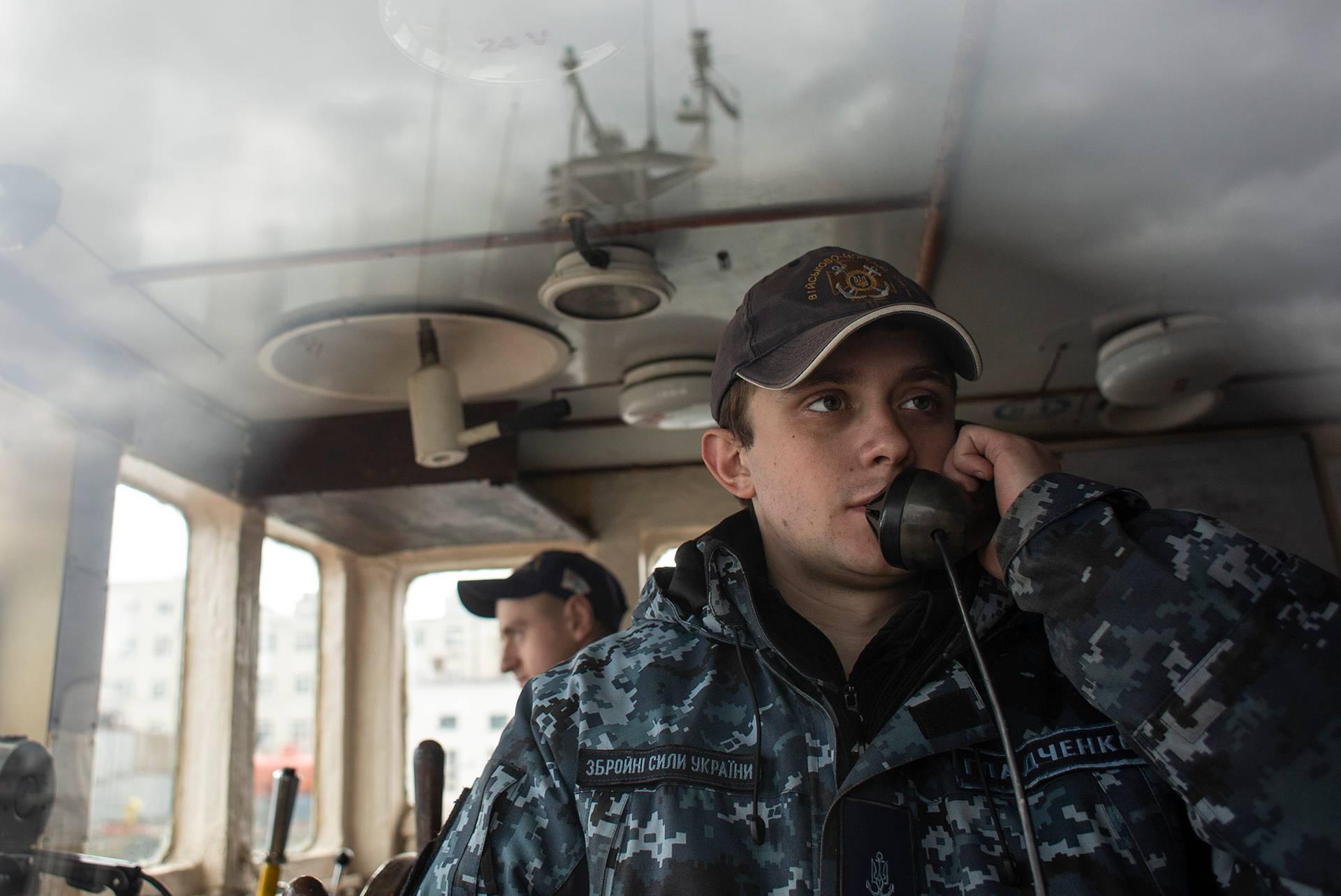 Командир катера «Гола пристань» Павло Гладченко на посту управління, Одеса, 1 березня 2019 року