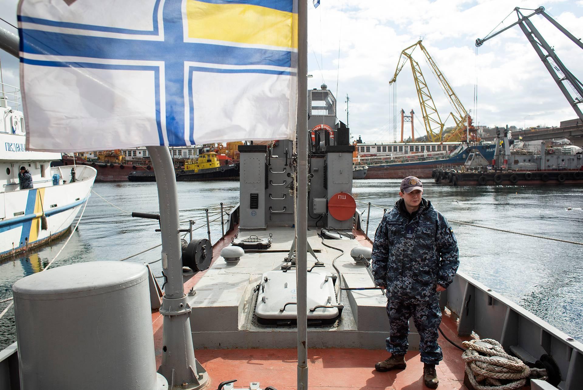 Павло Гладченко на палубі катера «Гола пристань», яким він зараз командує, Одеса, 1 березня 2019 року