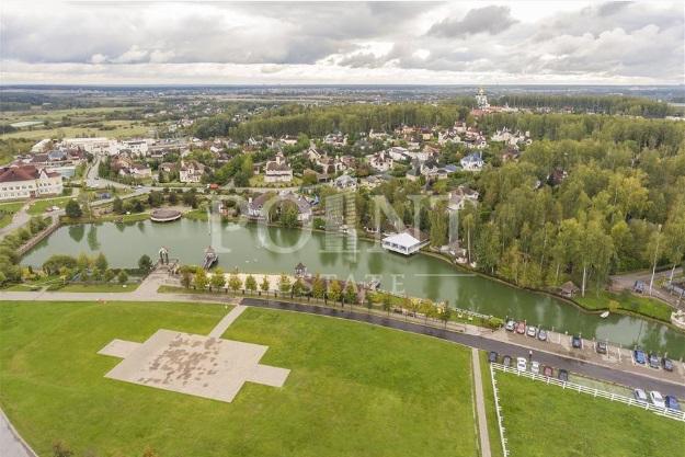 Стала відома вартість розкішних особняків Ані Лорак і Лободи в Росії (фото)