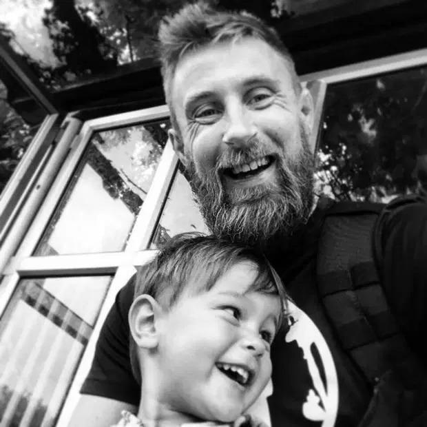 Після втрати сина він написав 10 правил, які повинні знати усі батьки