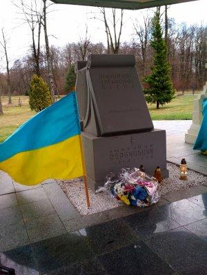 Могила-меморіал Михайла Вербицького в Млинах