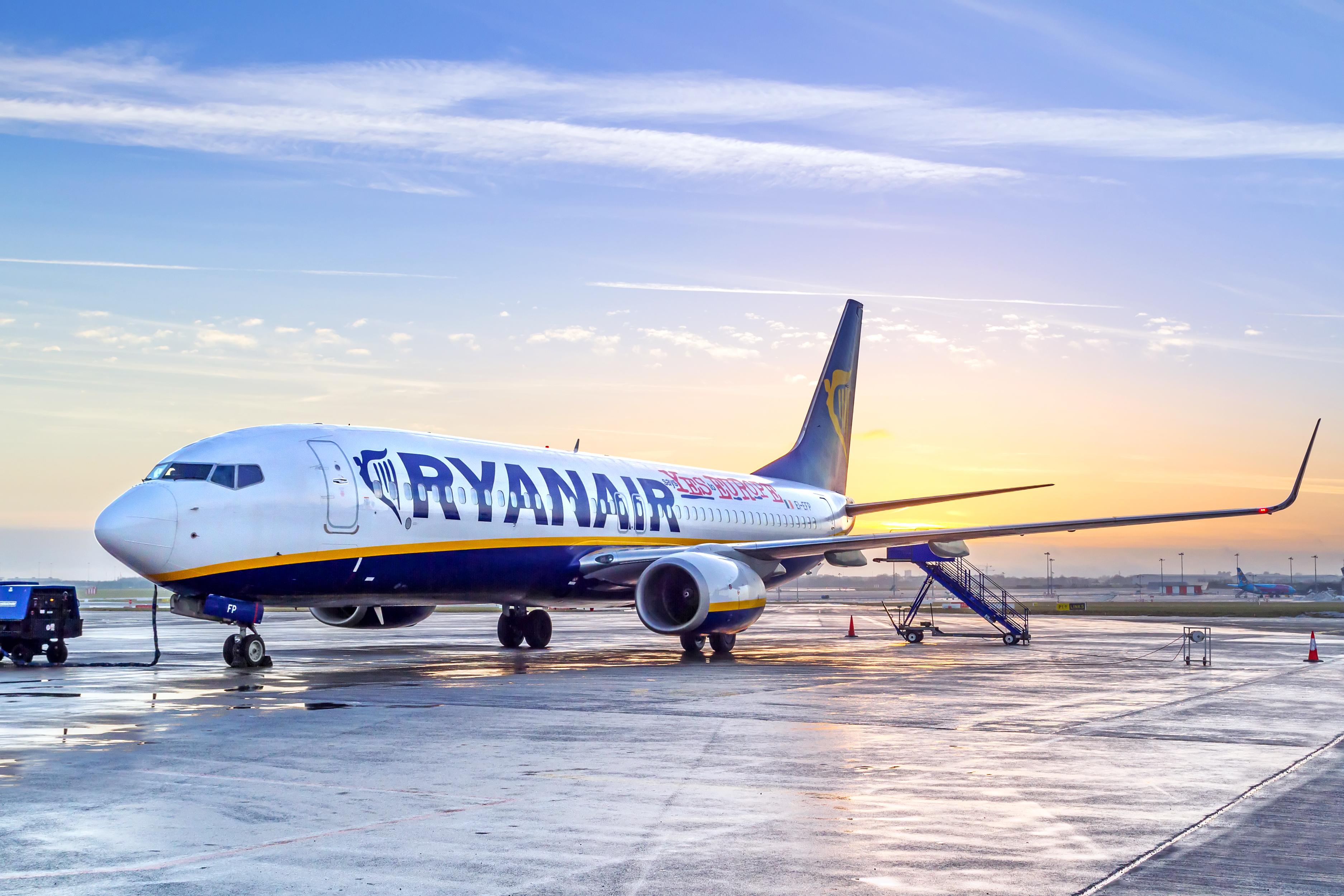 Лоукост Ryanair поділився планами щодо польотів в Україну