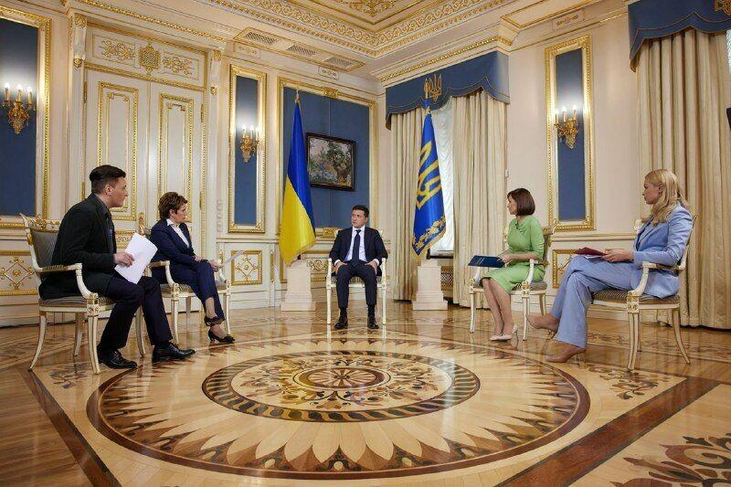 Зеленський дав інтерв'ю чотирьом телеканалам
