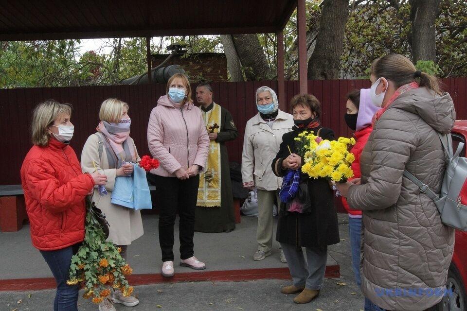 У Дніпрі попрощалися з волонтеркою Людмилою Савченко.