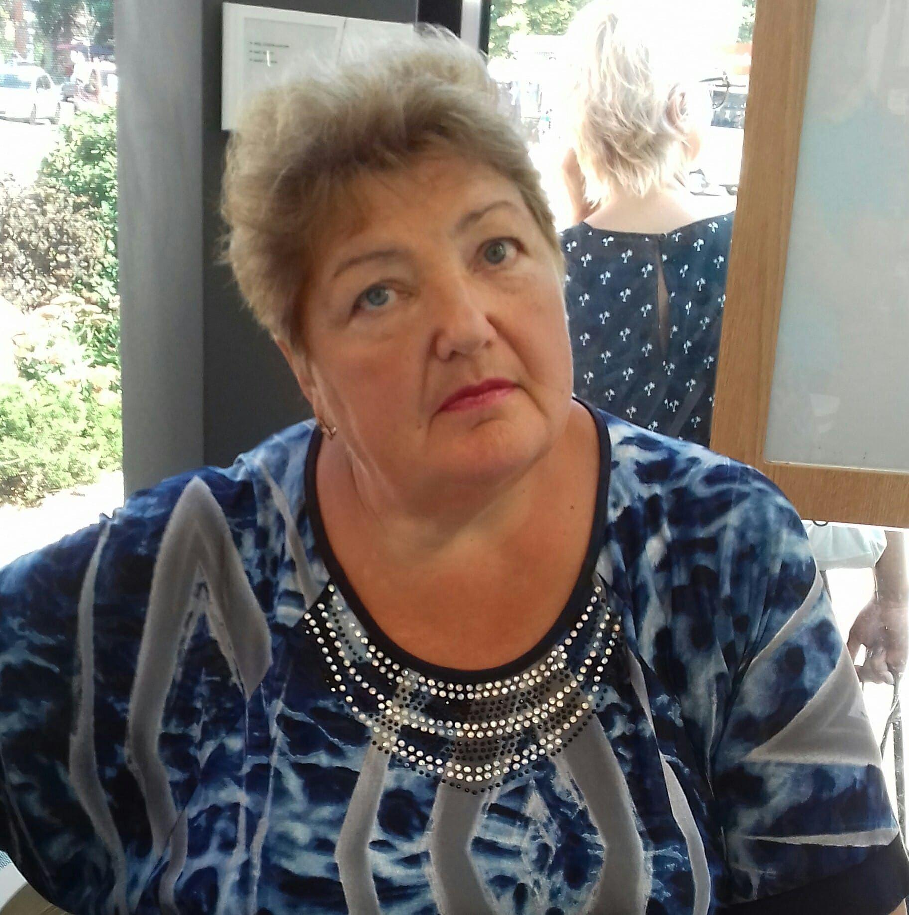 Антоніна Тесленко працювала в школі.