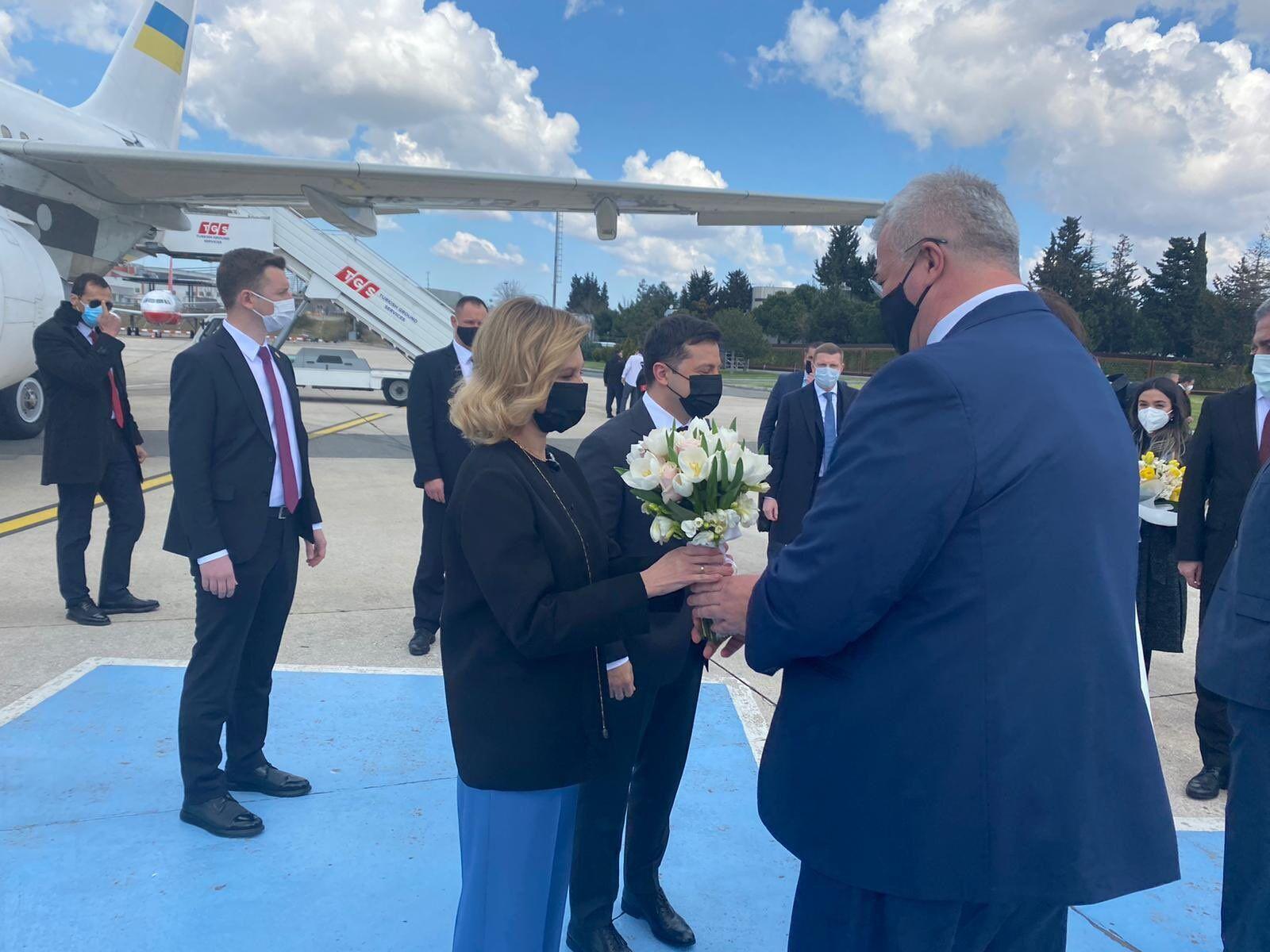 Зеленський із дружиною прибув до Туреччини.