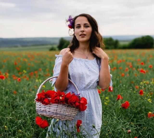 """""""Сьогодні наша прекрасна дівчинка Анастасія пішла до Господа"""", - померла молода українка, яка після ДТП з автобусом у Польщі два місяці боролася за життя"""