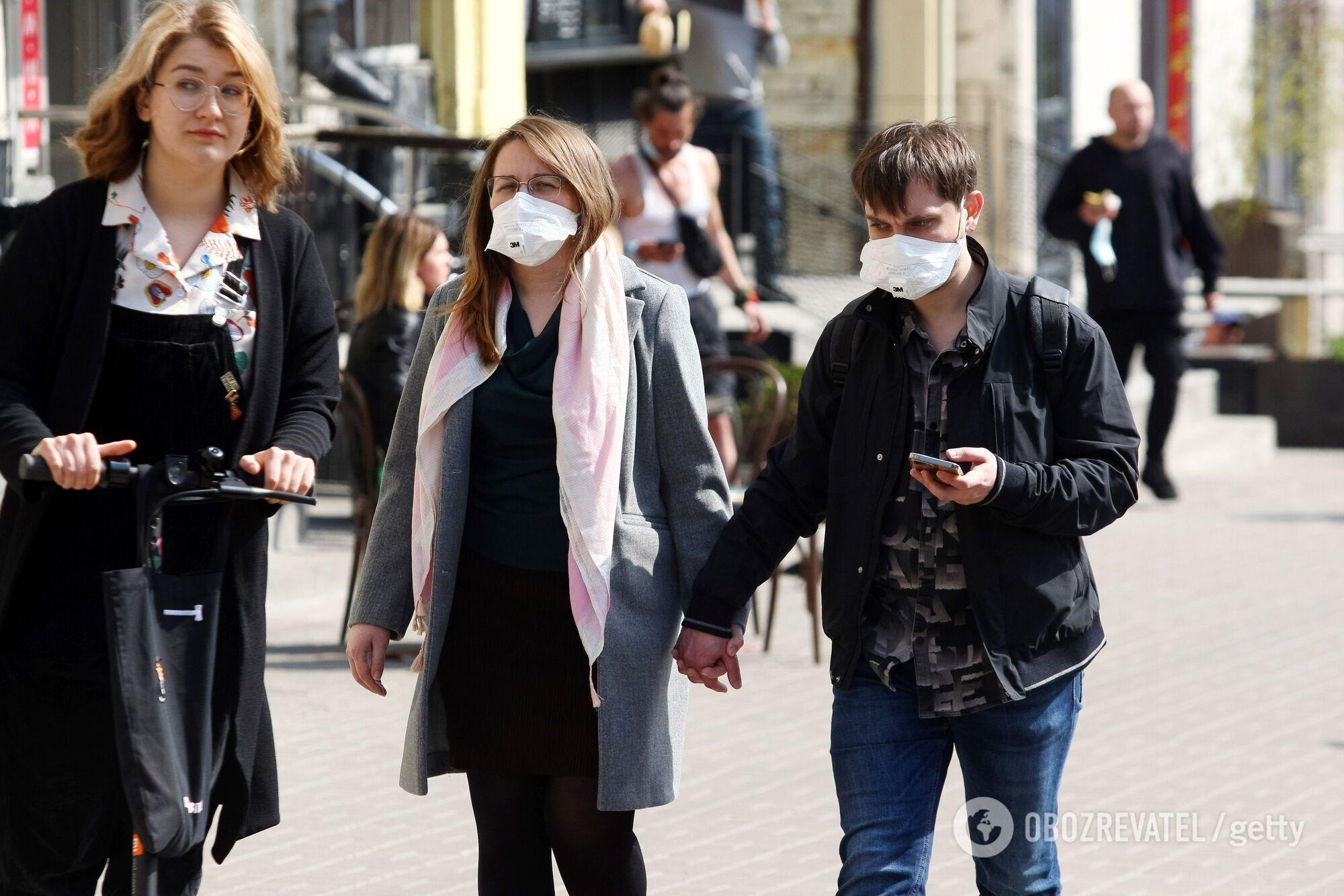 Чергова хвиля коронавірусу в Україні йде на спад