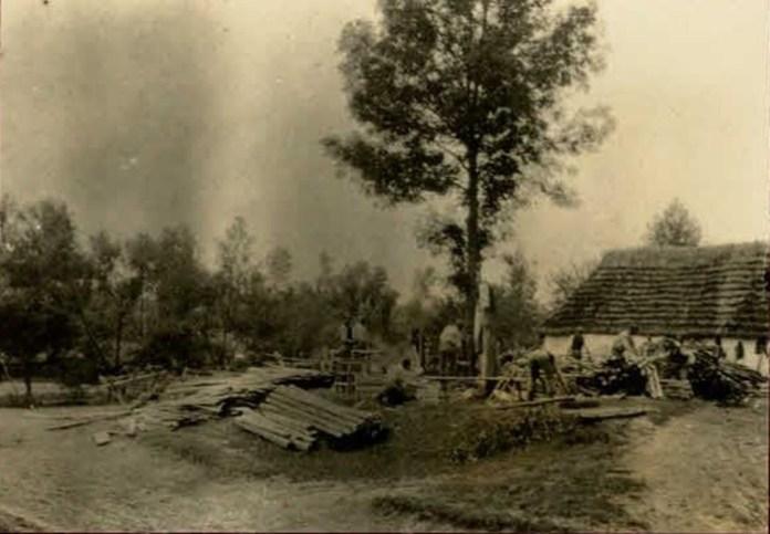 Село Полюхів на фото часів Першої світової війни