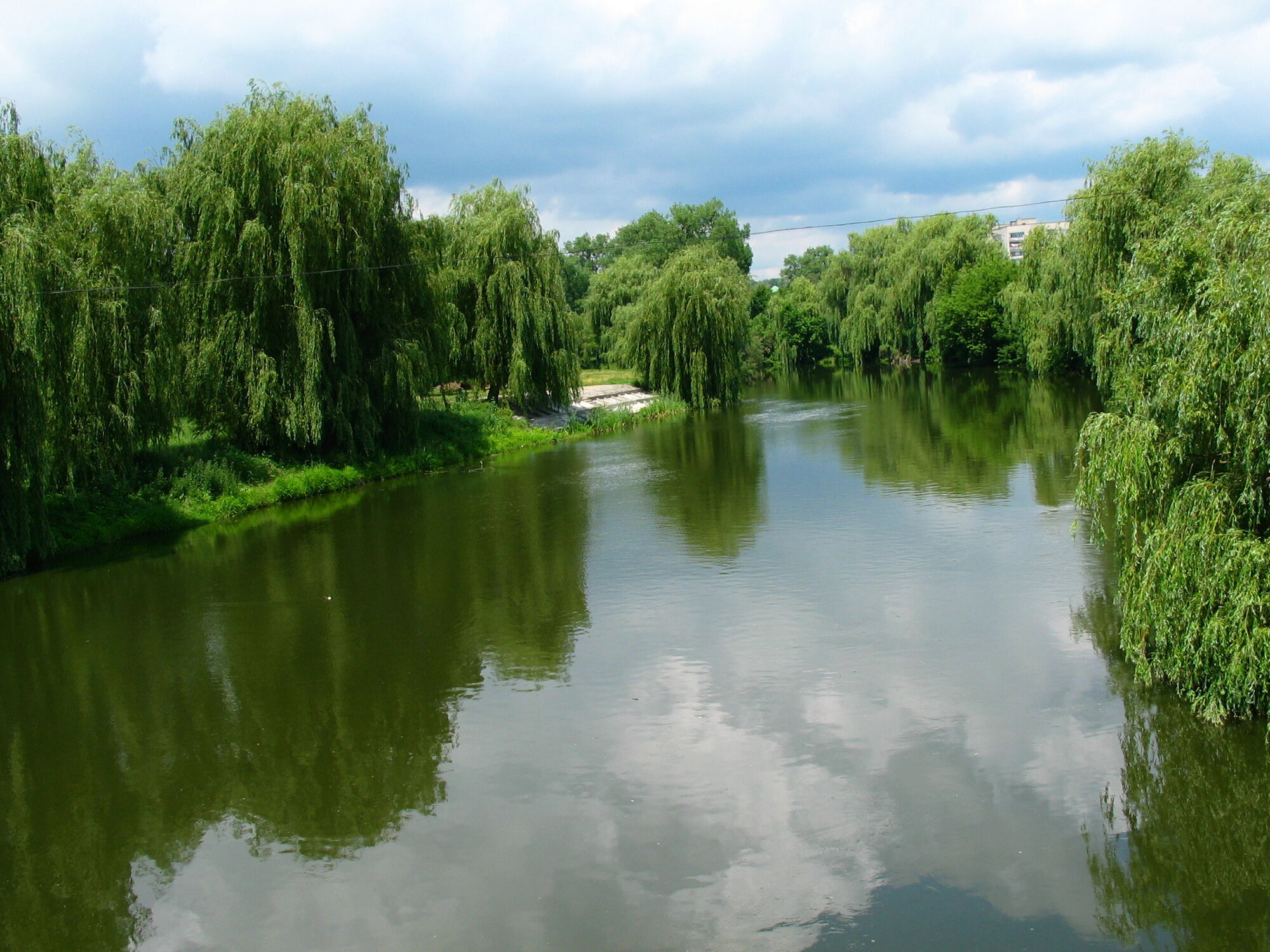 Найбільше санаторіїв курорту розмістилося на берегах річки Південний Буг