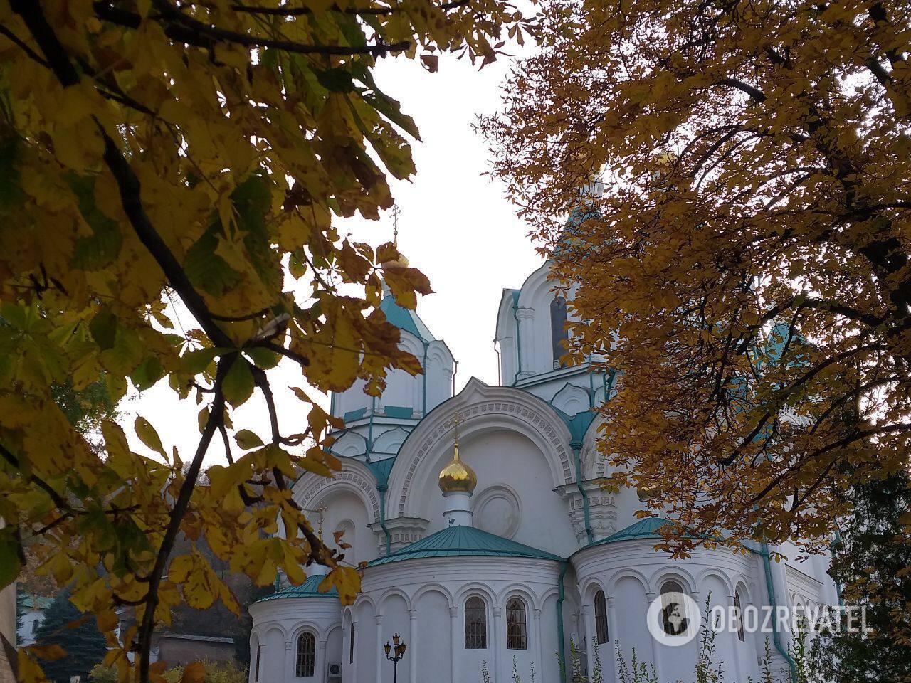 Найкраще їхати у Святогірськ восени.